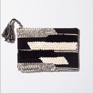 2 for $60 | Aritzia | Wilfred | Tapestry Clutch